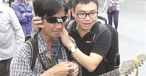 Des lunettes innovantes pour les aveugles hinh anh 1