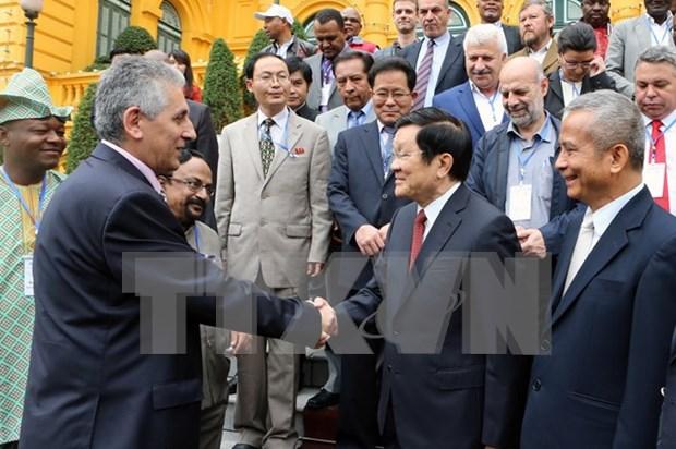 Le chef de l'Etat recoit une delegation de la Federation Syndicale Mondiale hinh anh 1