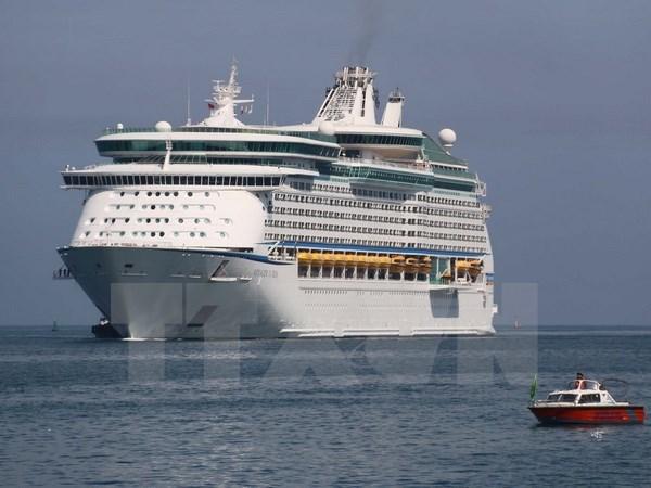 Le port de Chan May accueille deux paquebots de croisiere internationaux hinh anh 1