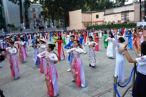 Ouverture de la 3e Fete de l'ao dai de Ho Chi Minh-Ville hinh anh 2
