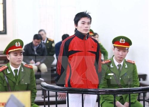 Peine reduite pour un homme condamne pour troubles a l'ordre public hinh anh 1