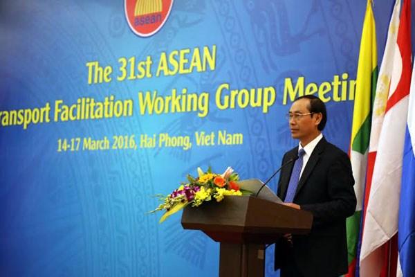 L'ASEAN se penche sur la facilitation du transport routier hinh anh 2