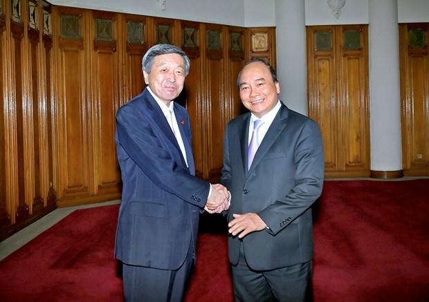 Le vice-PM Nguyen Xuan Phuc recoit le ministre japonais de l'Economie hinh anh 1