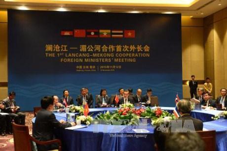 Le Vietnam participera aux conferences en Chine hinh anh 2