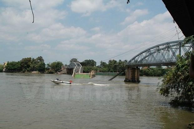 Arret de deux personnes responsables de l'effondrement d'un pont ferroviaire hinh anh 1