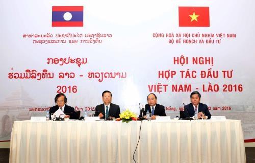 Conference sur la cooperation Vietnam-Laos dans l'investissement hinh anh 1