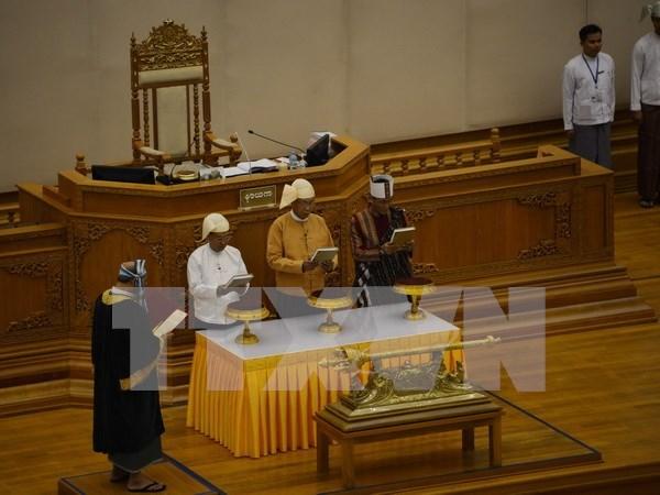 Le nouveau president du Myanmar prete serment hinh anh 1