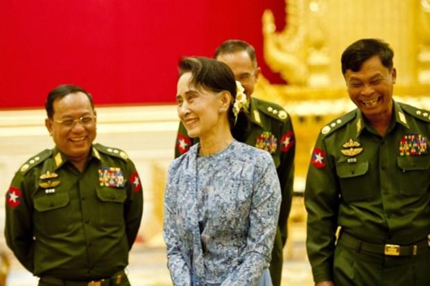 Myanmar: Aung San Suu Kyi sur le point d'endosser le role de conseillere d'Etat hinh anh 1