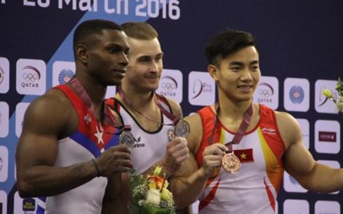 Pham Phuoc Hung en bronze a la Coupe du monde de gymnastique a Doha hinh anh 1