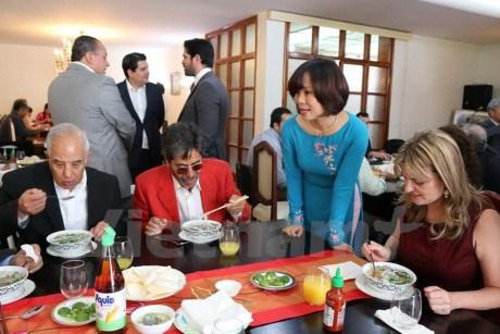 La Journee du Pho vietnamien au Mexique hinh anh 1