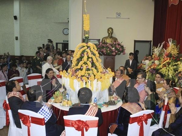 Boun Pi May lao, fetes du Nouvel An lao, celebrees a Hanoi hinh anh 1