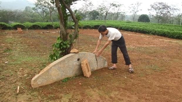 Decouverte d'un ancien instrument de percussion en pierre a Tuyen Quang hinh anh 1