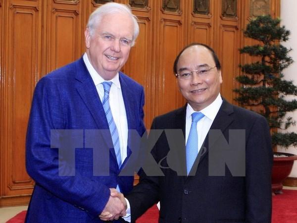 Le PM Nguyen Xuan Phuc recoit un professeur de l'Universite de Harvard hinh anh 1