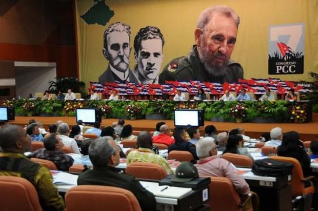 Le peuple cubain heroique avance fermement sur la voie du socialisme hinh anh 1