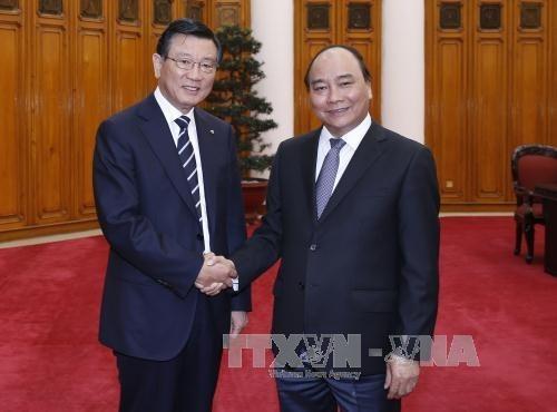 Le PM Nguyen Xuan Phuc recoit le president du groupe sud-coreen Kumho Asiana hinh anh 1