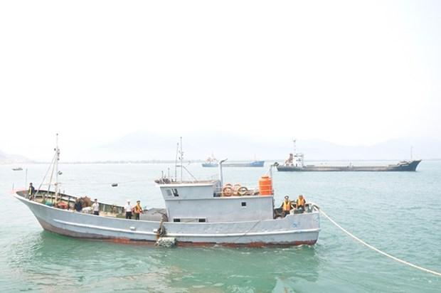 Un bateau de peche chinois sauve au large de Thua Thien-Hue hinh anh 1