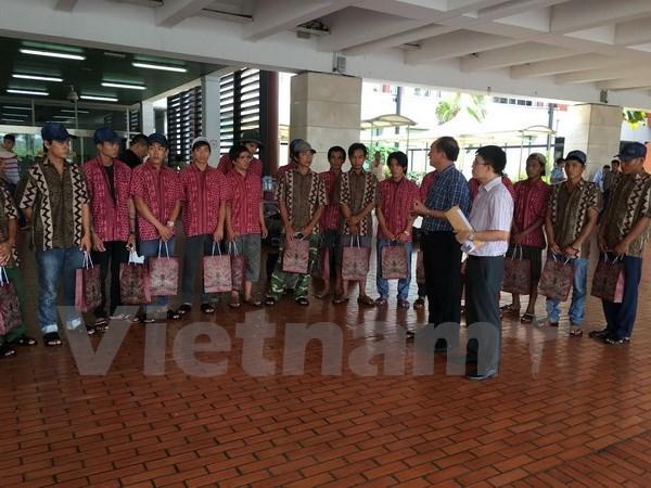Trente-six pecheurs vietnamiens de plus rapatries de l'Indonesie hinh anh 1