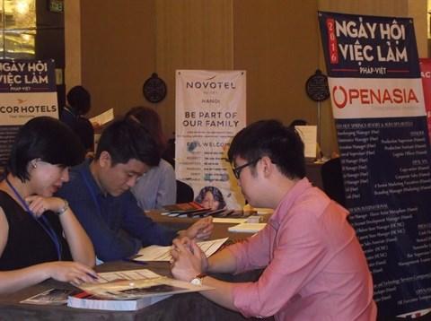 Forum sur l'emploi franco-vietnamien, l'occasion de recruter de jeunes Vietnamiens qualifies hinh anh 1