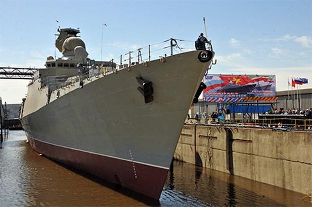Mise a l'eau d'une fregate construite en Russie pour la Marine vietnamienne hinh anh 1