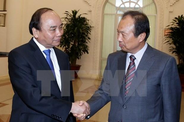 Le PM Nguyen Xuan Phuc recoit le directeur general du groupe Samsung hinh anh 1
