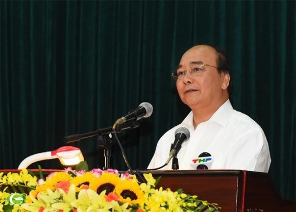 Le Premier ministre Nguyen Xuan Phuc rencontre des electeurs de Hai Phong hinh anh 1