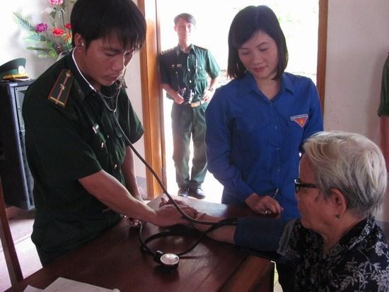 Pour de meilleurs soins de sante dans les regions frontalieres et insulaires hinh anh 1