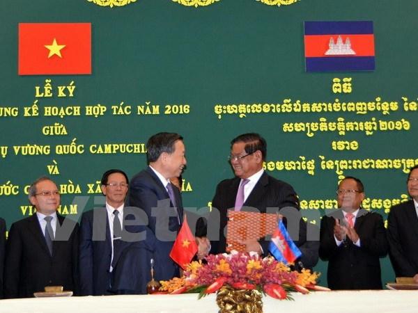 Vietnam et Cambodge cooperent dans la securite hinh anh 1