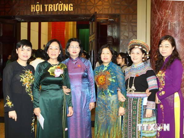 Legislatives : les femmes de plus en plus representees hinh anh 1