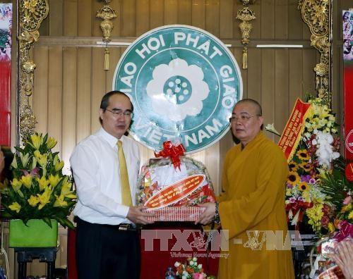 Vesak 2016: le chef du FPV formule ses voeux a l'Eglise bouddhique du Vietnam hinh anh 1