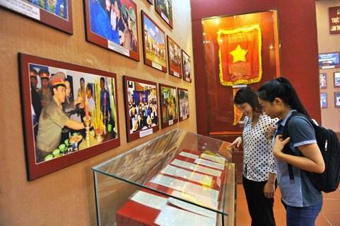 Forte affluence au memorial du President Ho Chi Minh a Bac Lieu hinh anh 1