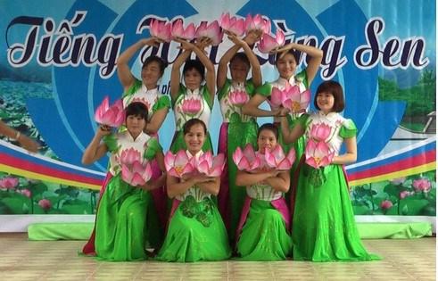 Activites de commemoration du 126e anniversaire de l'Oncle Ho hinh anh 1