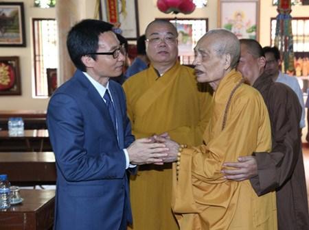 Le 2560e anniversaire de Bouddha celebre partout dans le pays hinh anh 1