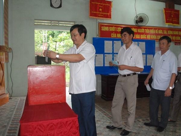 Les electeurs enthousiastes en cette fete des elections hinh anh 2