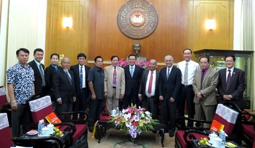 Une delegation des avocats laotiens recue par un dirigeant du Front de la Patrie du Vietnam hinh anh 1