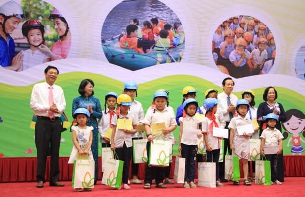Lancement du Mois d'action national pour l'enfance 2016 a Quang Ninh hinh anh 1