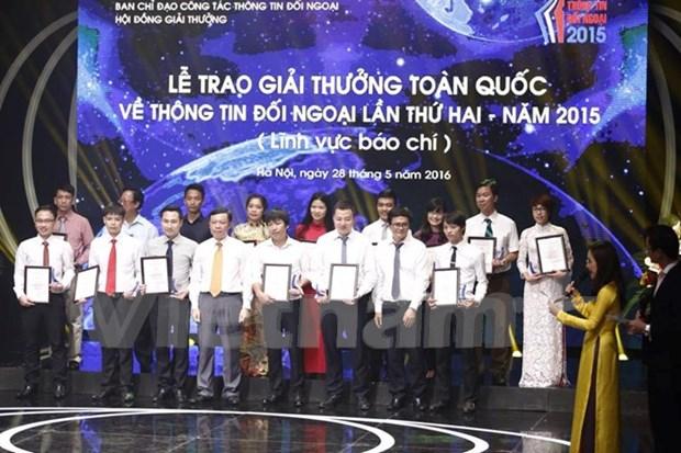 Remise du 2e Prix national de l'information pour l'etranger hinh anh 1