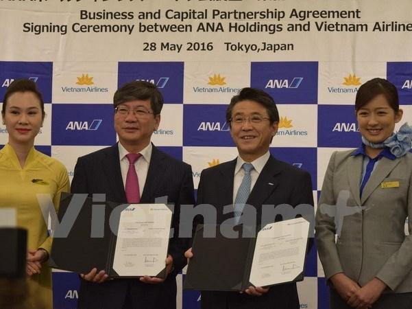 Vietnam Airlines et ANA Holdings signent un contrat d'achat et de vente d'actions hinh anh 1