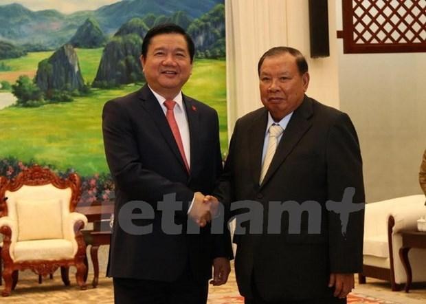 Une delegation de Ho Chi Minh-Ville recue par les dirigeants laotiens hinh anh 1