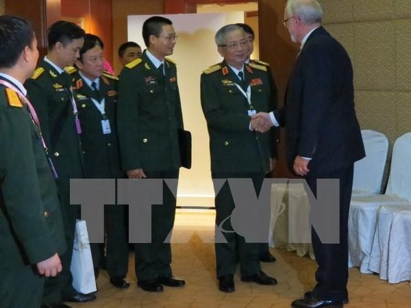 Dialogue de Shangri-La 2016 : le Vietnam est toujours pret aux dialogues bilateraux hinh anh 1