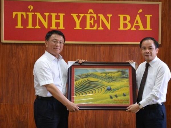 Affaires ethniques: des officiels chinois en visite dans la region Nord-Ouest hinh anh 1