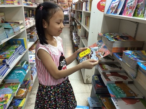 Des bandes dessinees historiques qui fascinent de jeunes lecteurs vietnamiens hinh anh 1