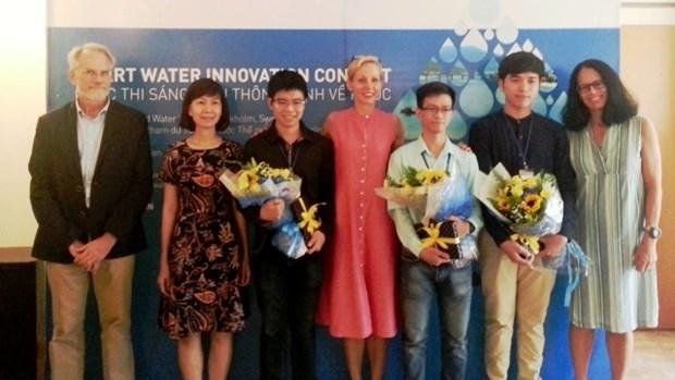Le prix «Initiatives intelligentes sur l'eau 2016» remis au Vietnam hinh anh 1