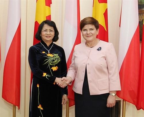 La vice-presidente du Vietnam rencontre des dirigeantes polonaises hinh anh 1