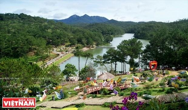 Lam Dong s'oriente vers l'economie touristique verte hinh anh 1