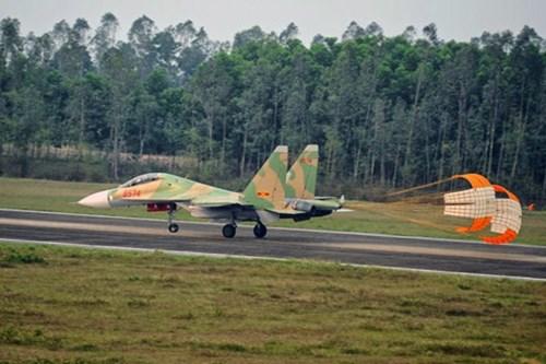 Recherche de l'avion disparu en mission d'entrainement hinh anh 1