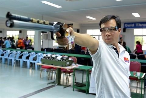 Le tireur Hoang Xuan Vinh vise une medaille aux Jeux olympiques de Rio hinh anh 1
