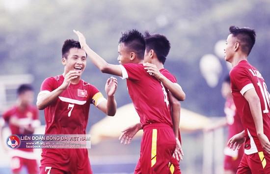 L'equipe vietnamienne a l'entrainement pour le Championnat d'Asie du Sud-Est 2016 hinh anh 1