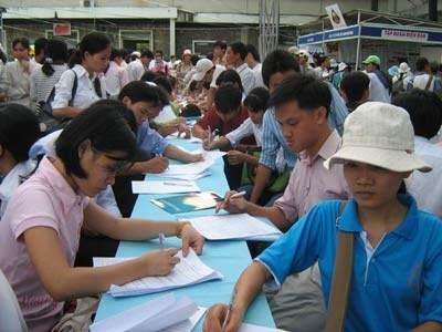 Plus de 613.000 emplois entre janvier et mai hinh anh 1