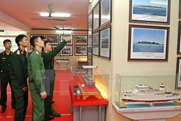 Exposition de cartes et d'archives sur Hoang Sa et Truong Sa a Tra Vinh hinh anh 1
