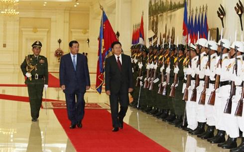 Le Premier ministre laotien entame une visite officielle au Cambodge hinh anh 1